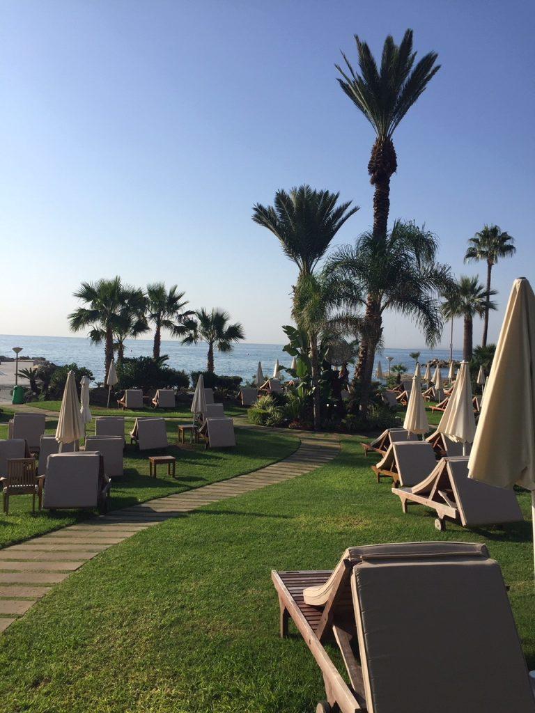 Gartenanlage Amathus Beach Hotel Limassol